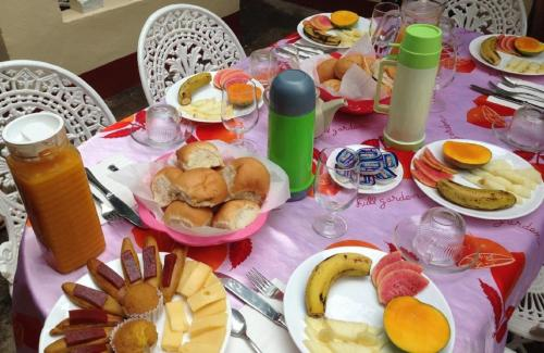 Breakfast options available to guests at Hostal el Angel