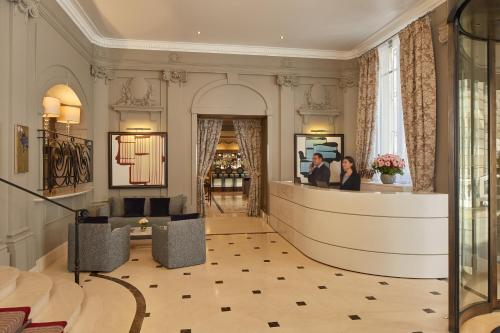 The lobby or reception area at Majestic Hotel Spa - Champs Elysées