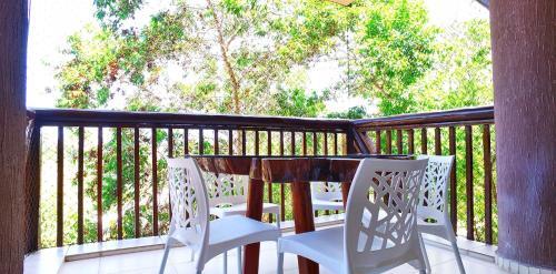 A balcony or terrace at Excelentes apartamentos Barra Bali