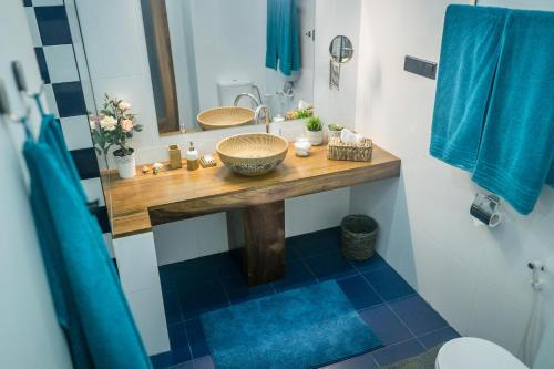 A bathroom at Madla rooms