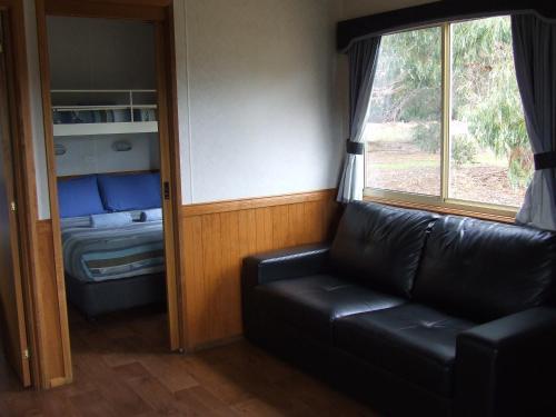 A seating area at Western KI Caravan Park & Wildlife Reserve