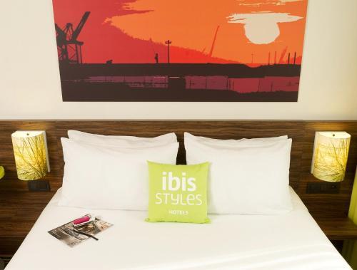 Un ou plusieurs lits dans un hébergement de l'établissement ibis Styles Zeebrugge