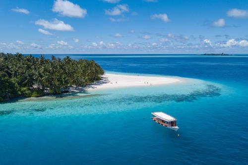 A bird's-eye view of Fihalhohi Island Resort