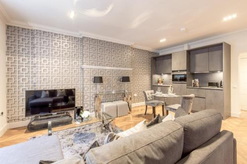 ALTIDO Chic and Sophisticated Apartment in the West End, Edinburgh