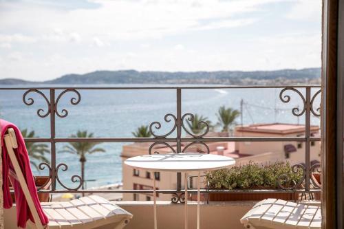 A balcony or terrace at Hotel Jávea