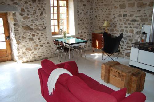 A seating area at Le Mas d'en Haut