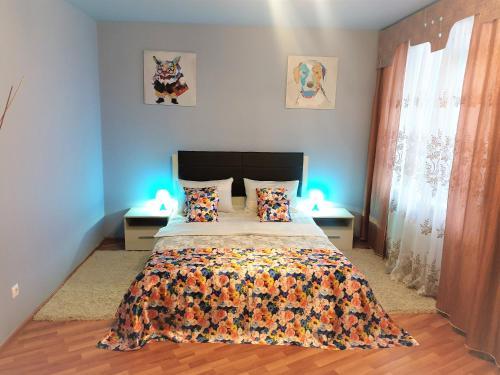 Кровать или кровати в номере MEGAPOLIS проспект Революции 9-А-110