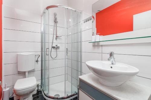 Kupaonica u objektu Hostel 1W