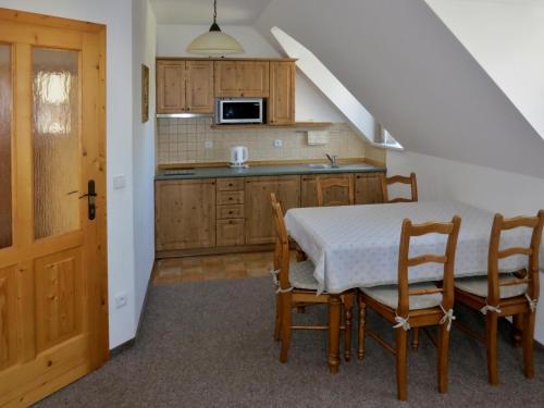 Kuchyň nebo kuchyňský kout v ubytování Selský dvůr 2