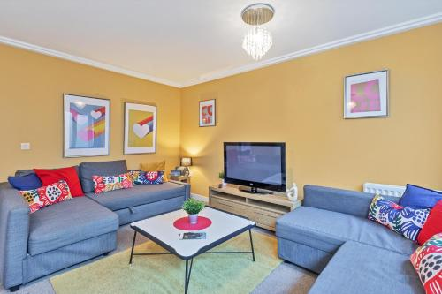 Central Big House - Large Group House - 4 Bedrooms 3 Bathrooms - Roof Terrace - City Centre