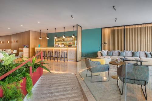 The lounge or bar area at Occidental Vigo