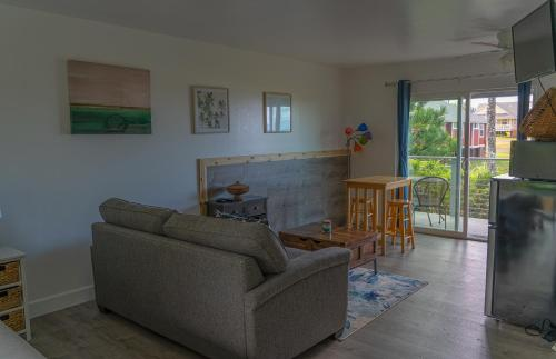 A seating area at Puu Koa Palms vacation rental