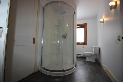 A bathroom at Ma Chaumière au Québec