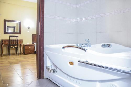 Ein Badezimmer in der Unterkunft Gaia Kaimaktsalan