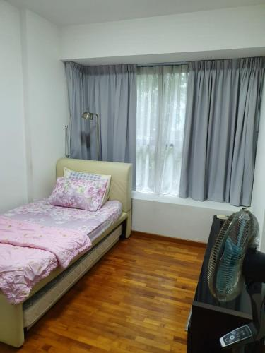 A bed or beds in a room at The Yardley
