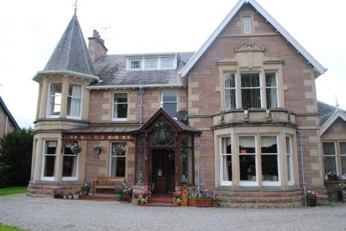 Chrialdon House