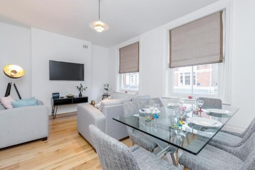Deluxe 4 Bedroom Oxford Circus Apartment With Private Terrace