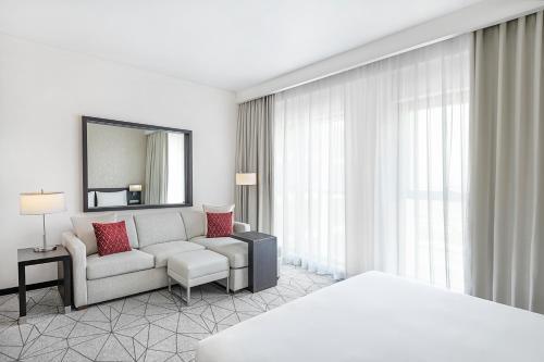 Area soggiorno di Hyatt Place Dubai Baniyas Square