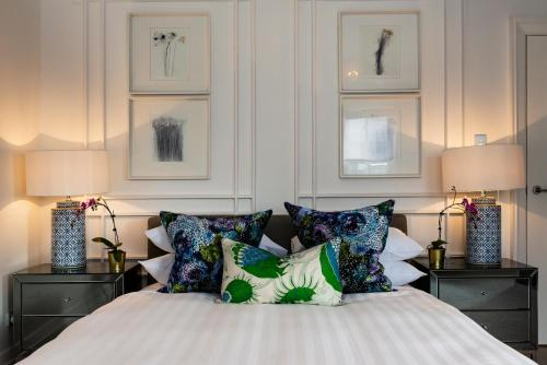 A bed or beds in a room at The ultimate Sydney experience