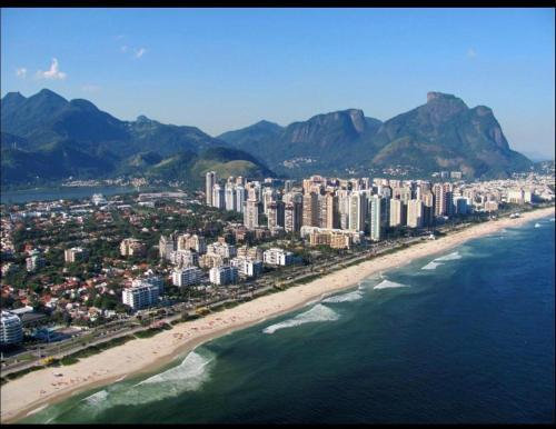 Uma vista aérea de Pousada Vicente Riocentro