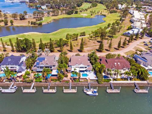 A bird's-eye view of Castaway at the Greens