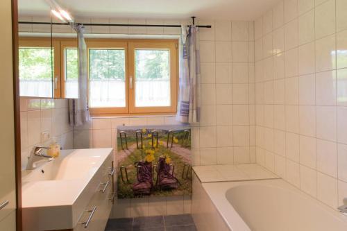 Ein Badezimmer in der Unterkunft Ferienwohnung Brenner