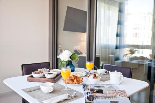 Breakfast options available to guests at Residhome Marseille