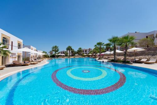 المسبح في Amphoras Blu Hotel (Ex. Shores Aloha) أو بالجوار