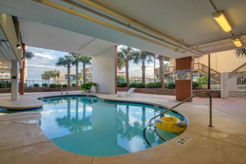 The swimming pool at or near Malibu Pointe