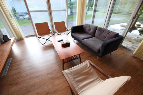 A seating area at Chuying Sunrise B&B