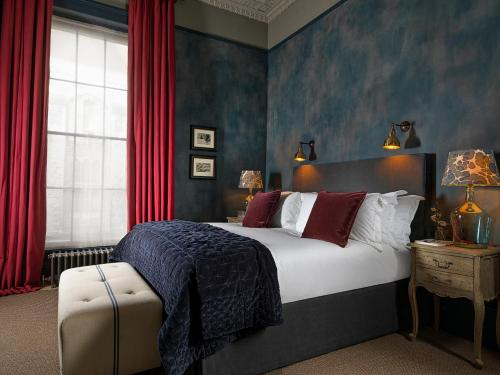 A bed or beds in a room at No131 The Promenade