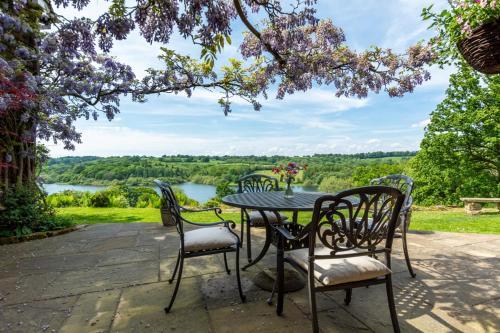 Cousley Wood Villa Sleeps 2 with WiFi