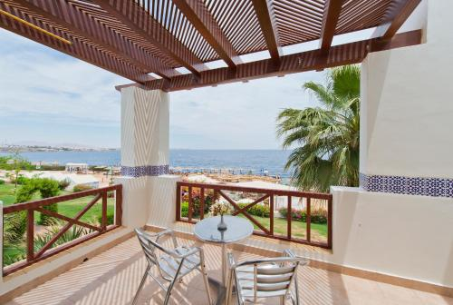 شرفة أو تراس في Amphoras Blu Hotel (Ex. Shores Aloha)