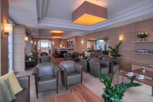The lounge or bar area at Hotel Atlanta Knokke