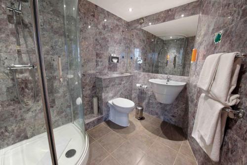 Łazienka w obiekcie Waterloo Hub Hotel and Suites