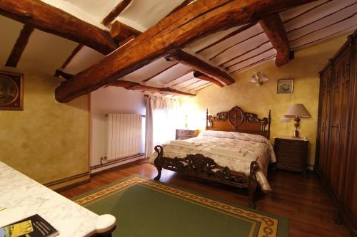 A bed or beds in a room at Casa Victoria