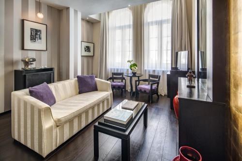 En sittgrupp på Baglioni Hotel London - The Leading Hotels of the World
