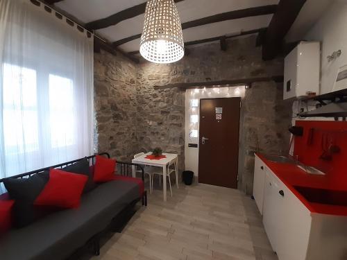 A seating area at Andra Mari Apartamentu Turistikoak