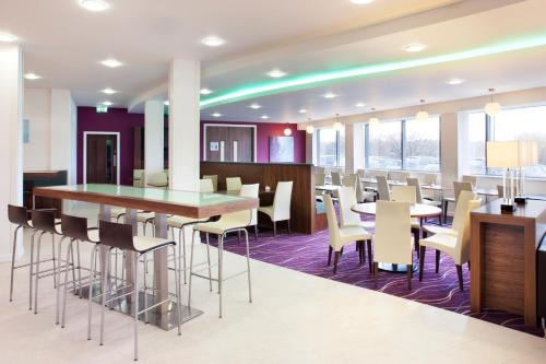 A restaurant or other place to eat at Holiday Inn Express Tamworth