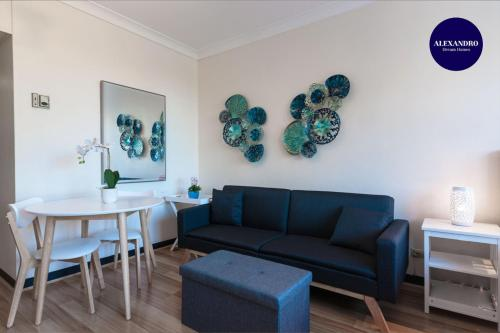 A seating area at Lane Cove Studio - POOL - PARKING - WIFI