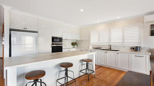 A kitchen or kitchenette at 6 Seaview Street Forster- Melissa Jane