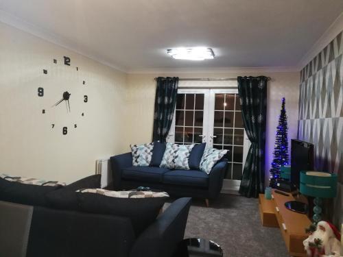 Stewartfield Gardens Apartment