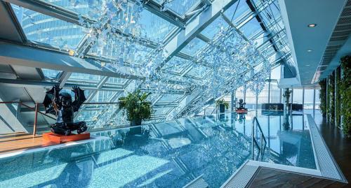 Бассейн в Sky Luxury или поблизости