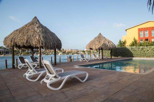 A piscina localizada em Luxury Apartment Ayla ou nos arredores
