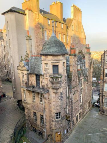 Authentic Homely 1 Bedroom Apartment on the Royal Mile