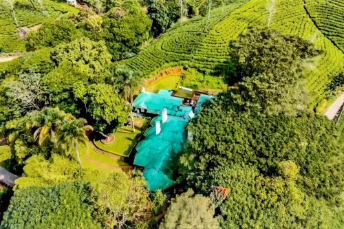 Een luchtfoto van Royal Majesty Bungalow