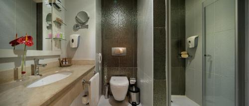 A bathroom at Crystal Palace Luxury Resort & Spa - Ultra All Inclusive