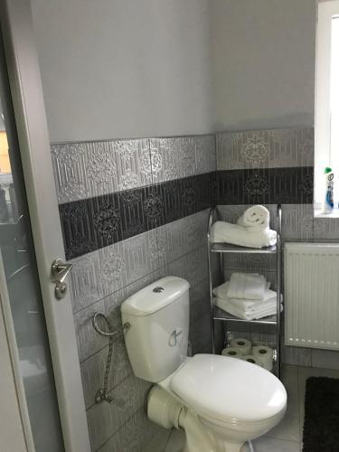 A bathroom at Apartmány u pizzerky