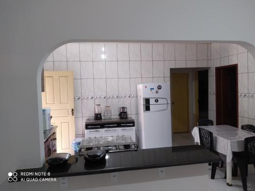 A cozinha ou cozinha compacta de Hostel Lençóis Park