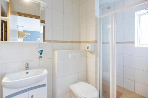 A bathroom at Reykjavik Downtown HI Hostel
